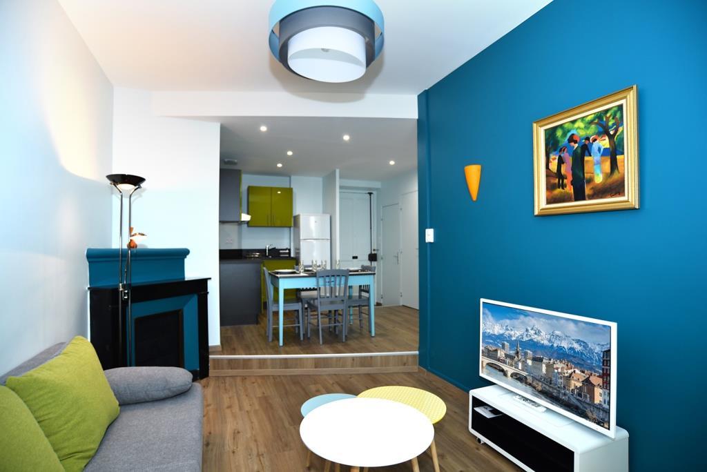r novation toutes options d un appartement sur grenoble. Black Bedroom Furniture Sets. Home Design Ideas